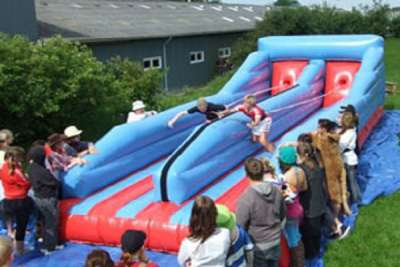 Bumgee-run – book bungee-run til dit arrangement her